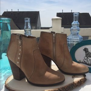 😍COACH Haven Leather Booties😍 Sz 7B